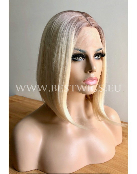 Synthetic lace front wig Straight blond short hair / Rooted Bob style